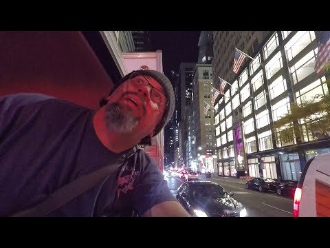 RVing into NEW YORK CITY and BOONDOCKING in TIMES SQUARE!