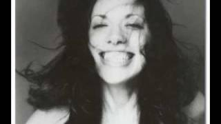 Watch Carly Simon Playing Possum video