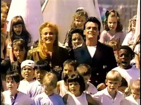 MARIEDENISE PELLETIER & JEAN RAVEL  Survivre ensemble Vidéo Officiel 1989