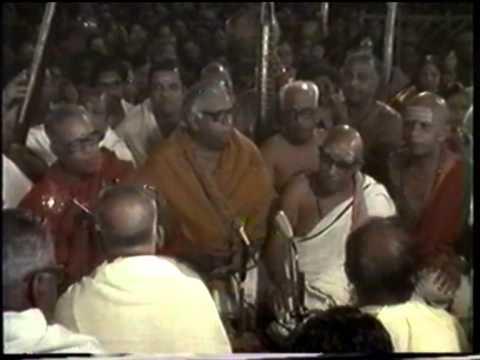 Jagadhanandakaraka - Nattai (139th Thyagaraja Aradhana - 1986).mpg