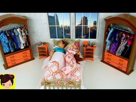 Barbie y Ken Rutina de Mañana en Su Nuevo Dormitorio - Casa de Muñecas Barbie Hello Dream House