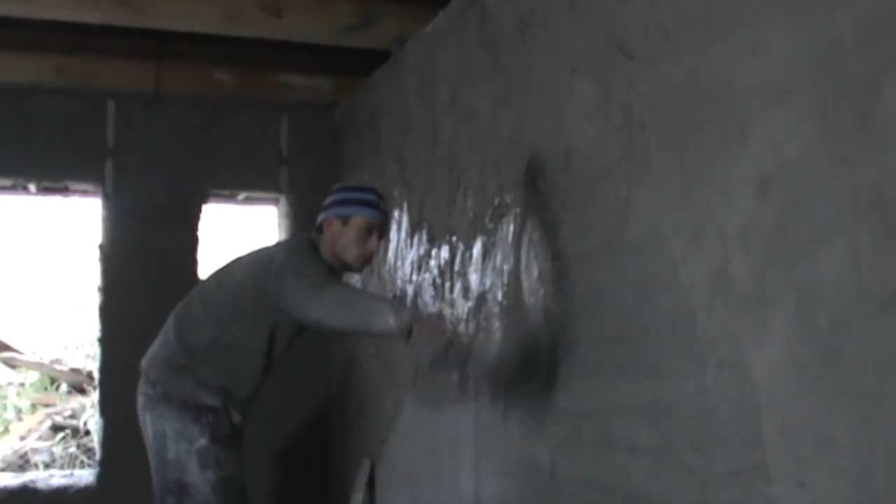 напыление монтажной пены на стену - YouTube