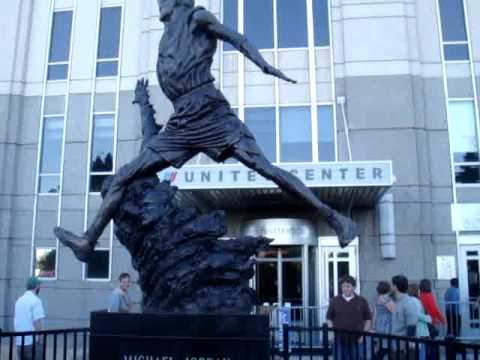 Jordan Statue at the United Center