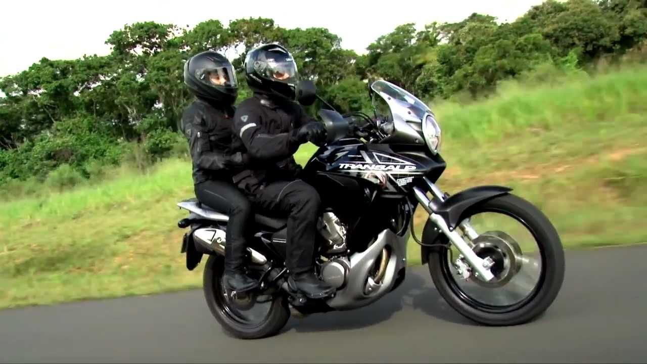 XL 700V Transalp modelo 2011 - YouTube