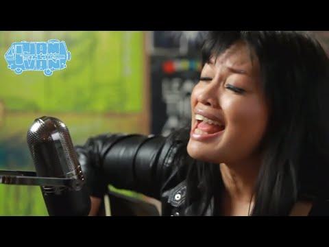 "MELISSA POLINAR - ""Off Guard"" (Live at Maker Studios) #JAMINTHEVAN"