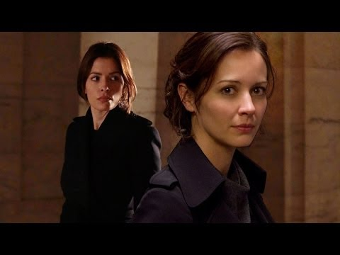 Person of Interest: Sarah Shahi & Amy Acker Interview - New York Comic Con 2013