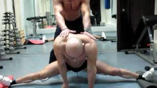 Уроки растяжки, как сесть в шпагат. Стретчинг и разминка до и после тренировки.