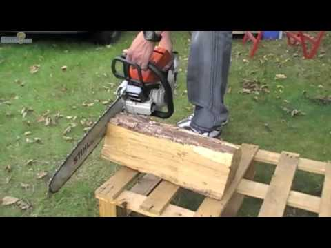 Couper une buche avec une tron onneuse youtube - Couper bois avec meuleuse ...