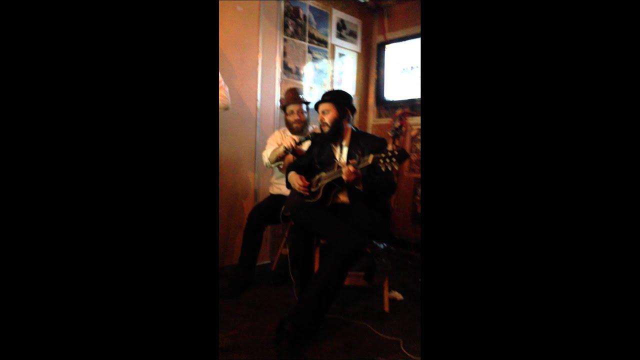 """Moishie Storch singing Ry""""t Ehrlichs Yakub  video credit motty jay"""