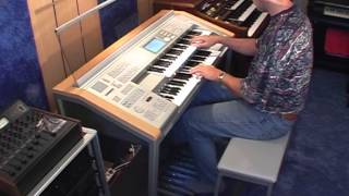Besame Mucho on Yamaha Stagea Organ - Mladosevits ELS-01C Yamaha Stagea Electone