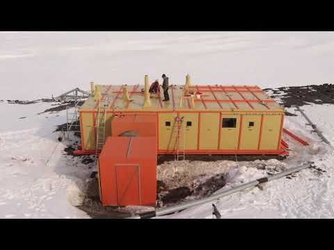 Time-lapse footage of new roof going on Hillary's (TAE/IGY) Hut