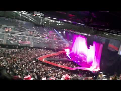 PINK TOUR NZ AUCKLAND - Part 1 of 23 The Best Concert in the World