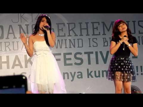 Nabilah and Sonia JKT48 ~ Terjebak Nostalgia