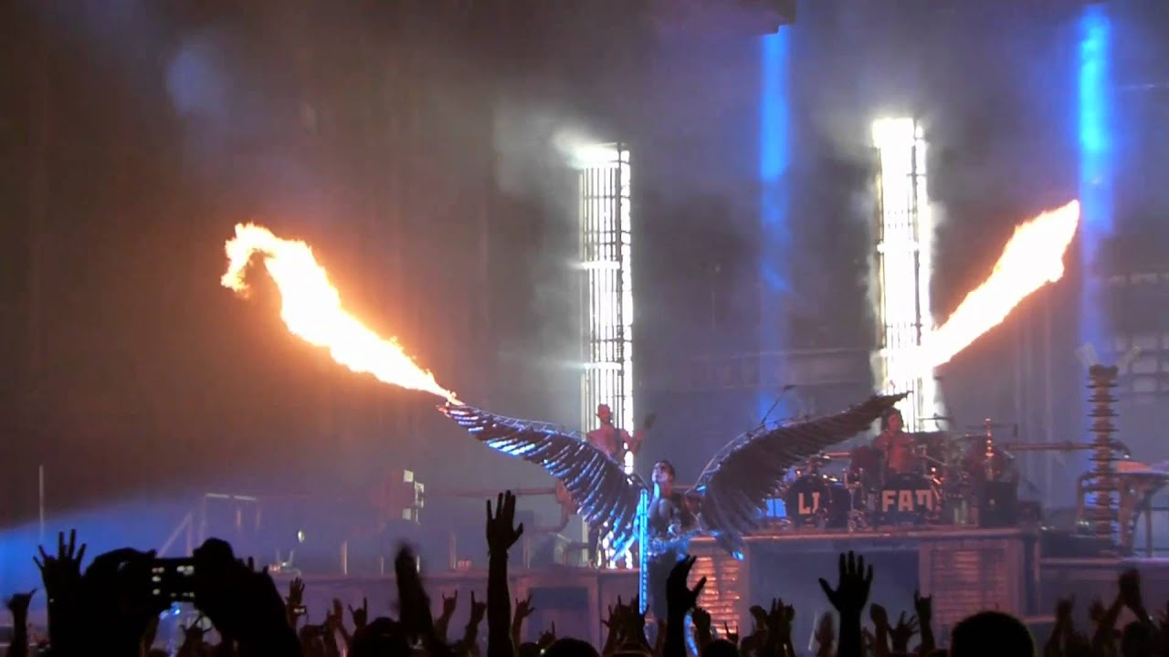 rammstein engel live in madison square garden nyc partial youtube. Black Bedroom Furniture Sets. Home Design Ideas