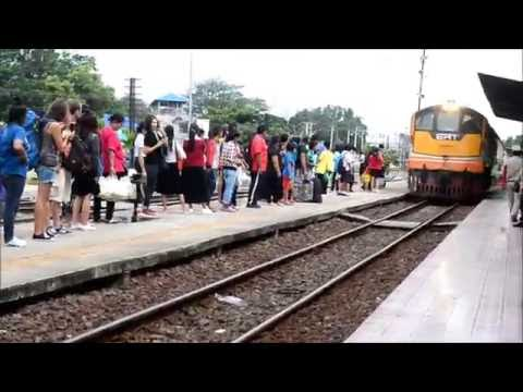 How To Buy Train Ticket In Thailand (Hua Lamphong Station Bangkok @2016)