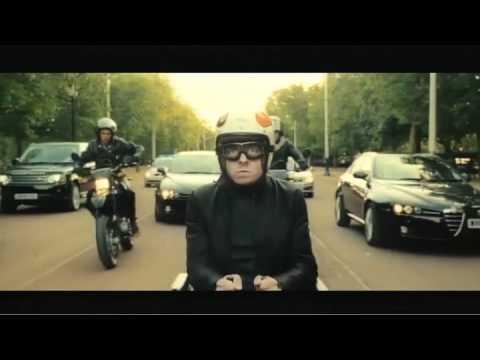 Johnny english la rinascita clip fuga sulla sedia a for Film sedia a rotelle
