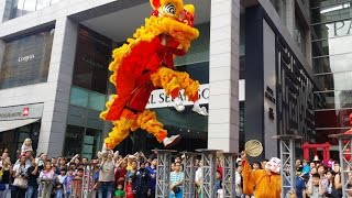 CNY 2015 ~ Acrobatic Lion Dance (舞獅 Múa Lân) by Kun Seng Keng @ Pavilion KL 8-2-2015 5pm (4K UHD)
