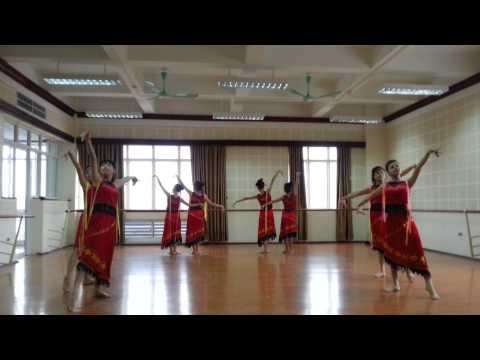 20121130  DV KỊCH-ĐA-TH K30 với các điệu múa dân tộc Việt Nam
