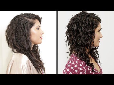 Thumbnail: Women With Curly Hair Perfect Their Curls