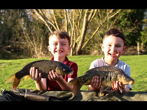 Carp fishing Farlows Lake 3