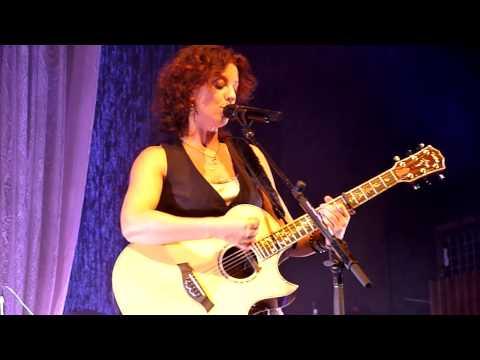 Sarah McLachlan - Building a Mystery (Live: Austin City Music Hall) [720p]