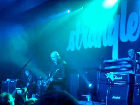 THE STRANGLERS @ LESSINES -31-03-12- WALK ON BY