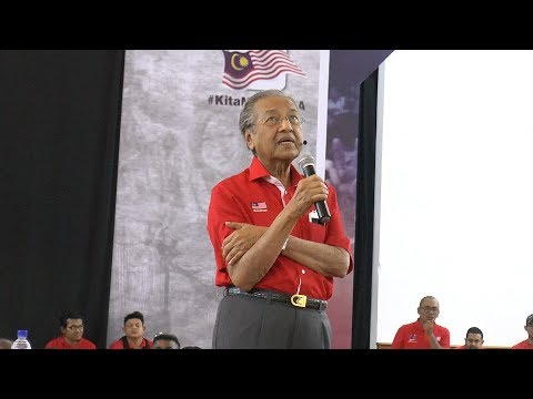 Dr M sidesteps question on Anwar sodomy charges at forum
