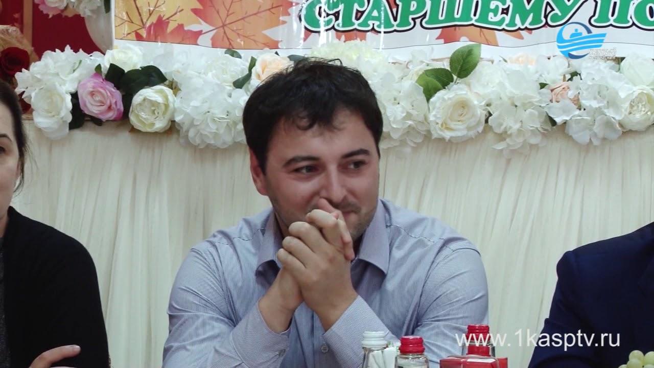 Раскрасили серые будни в яркие цвета. КЦСОН Каспийска организовал праздничный вечер для своих подопечных преклонного возраста