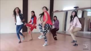 GALLAN GOODIYAAN DIL DHADAKNE DO DANCE CHOREOGRAPHY mirrored