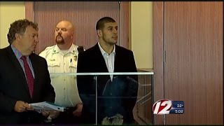 Hernandez Asks If Mom, Fiancee Can Attend Trial