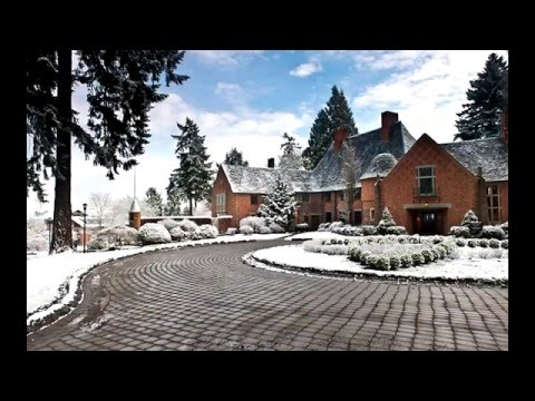 Top 30 Most Beautiful College Campuses