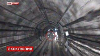 Следователи восстановили видео с камер разбившегося в метро поезда(Благодаря кадрам видеозаписи специалистам удалось воссоздать последние минуты перед крушением в московск..., 2014-08-21T13:10:21.000Z)