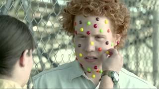 Новая реклама Skittles (Скитлс-трянка) NEW(Скитлс - Заразись радугой. Поделись радугой., 2015-11-04T19:08:47.000Z)