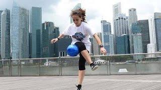 Bikin heboh-skill freestyle bola wanita ini di atas rata-rata pemain bola indonesia