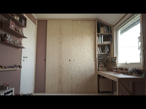 Making A Closet With Sliding Doors Combined With A Desk