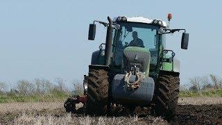 Fendt 828 Going Deep in The Soil Ploughing w/ Kuhn Vari-Master 151 | Danish Agriculture