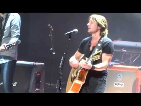 Keith Urban featuring special guests Joel & Benji Madden - Wonderwall (Oasis cover) Sydney 30/01/13