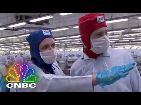 Oceans Of Crime: Canned Tuna Controversy | CNBC Prime