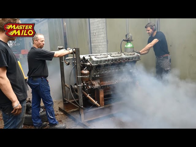 38,8 liter V12 tank engine 1st run after 28 years!