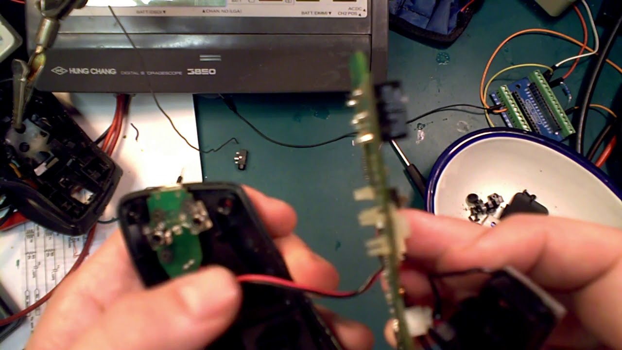 Fixing Logitech MX mouse double click issue by replace micro switch omron