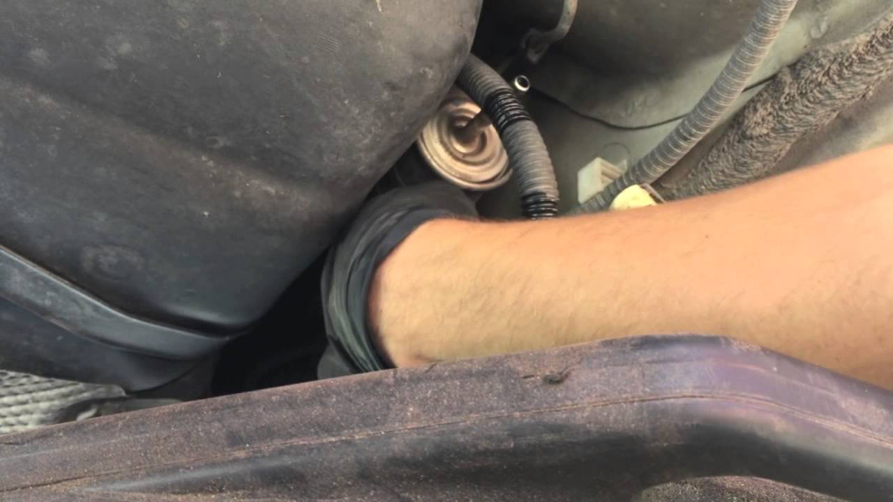 diy how to replace install fuel filter on ford focus [ 1280 x 720 Pixel ]