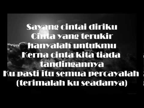 [Lirik] Yana Samsudin & Ukays - Aku Jatuh Cinta