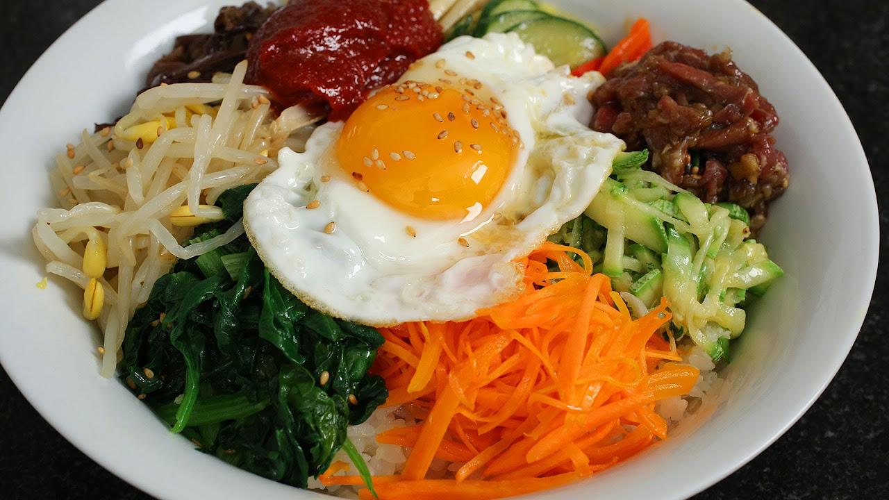 Bibimbap (비빔밥) ve Dolsot-bibimbap (돌솥 비빔밥)
