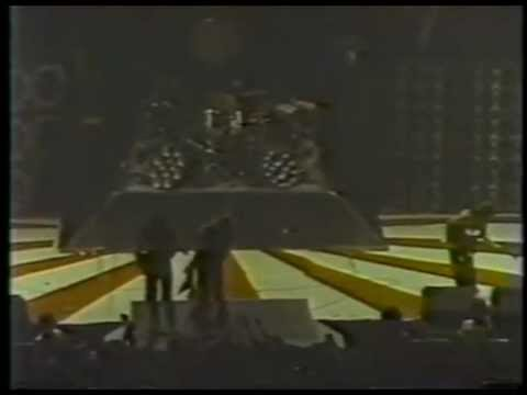 Van Halen Live In Caracas 1/16/1983 (1st Night) Hide Your Sheep Tour