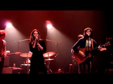 "Adam Green & Binki Shapiro ""Just To Make Me Feel Good"" @ Café de la Danse (Paris)"