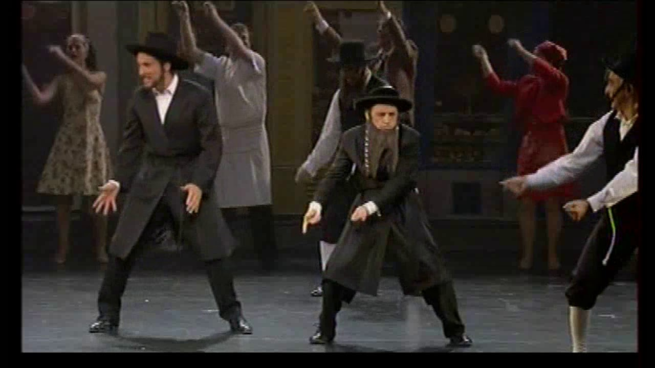 Les aventures de rabbi jacob com die musicale la danse for Dans rabbi jacob