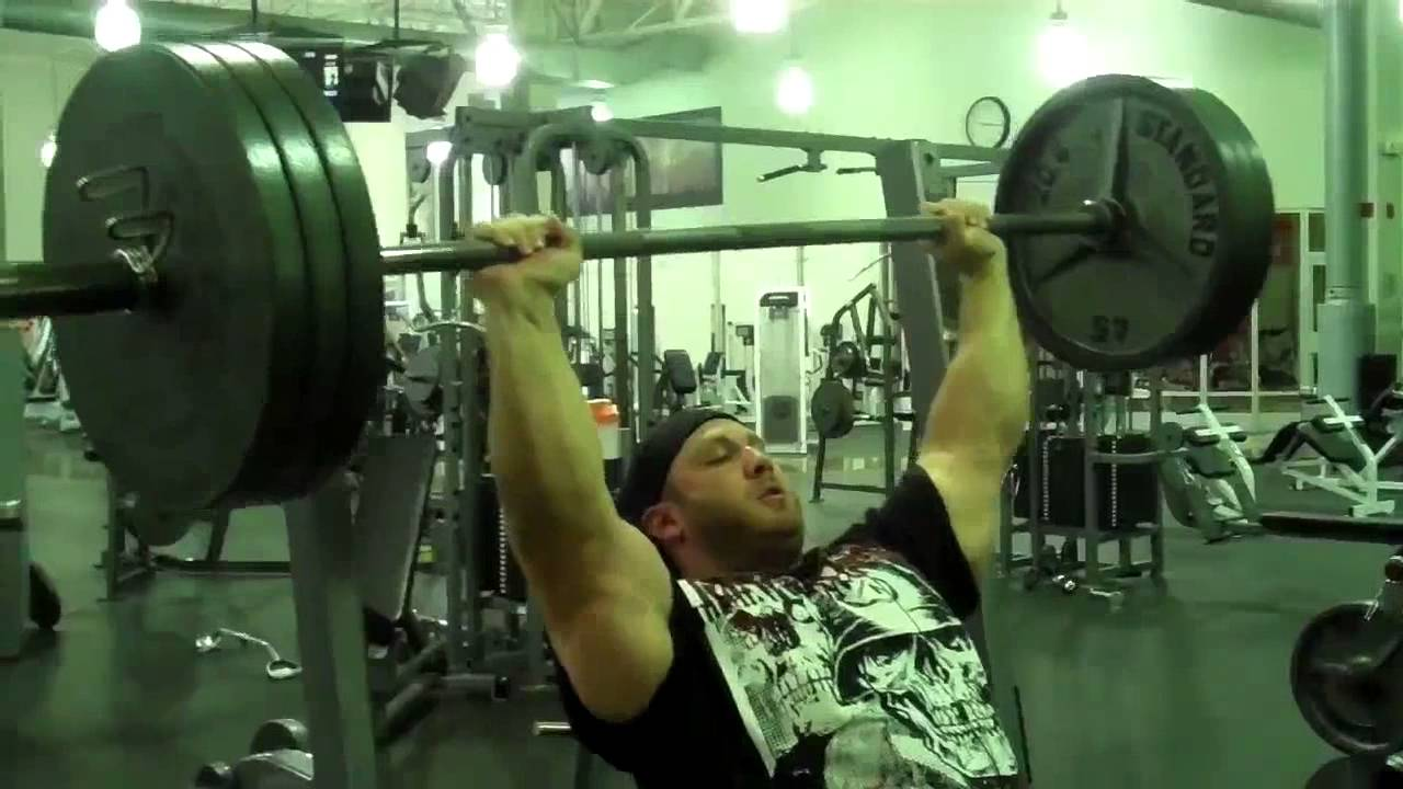 Muscle freak Eric Spoto shoulder press, 315Lb for reps - YouTube
