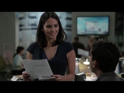 The Newsroom - The Romance Begins Between Sloan & Don