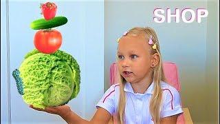 Алиса играет в магазин продуктов и игрушек для детей / Мими Лисса новое видео