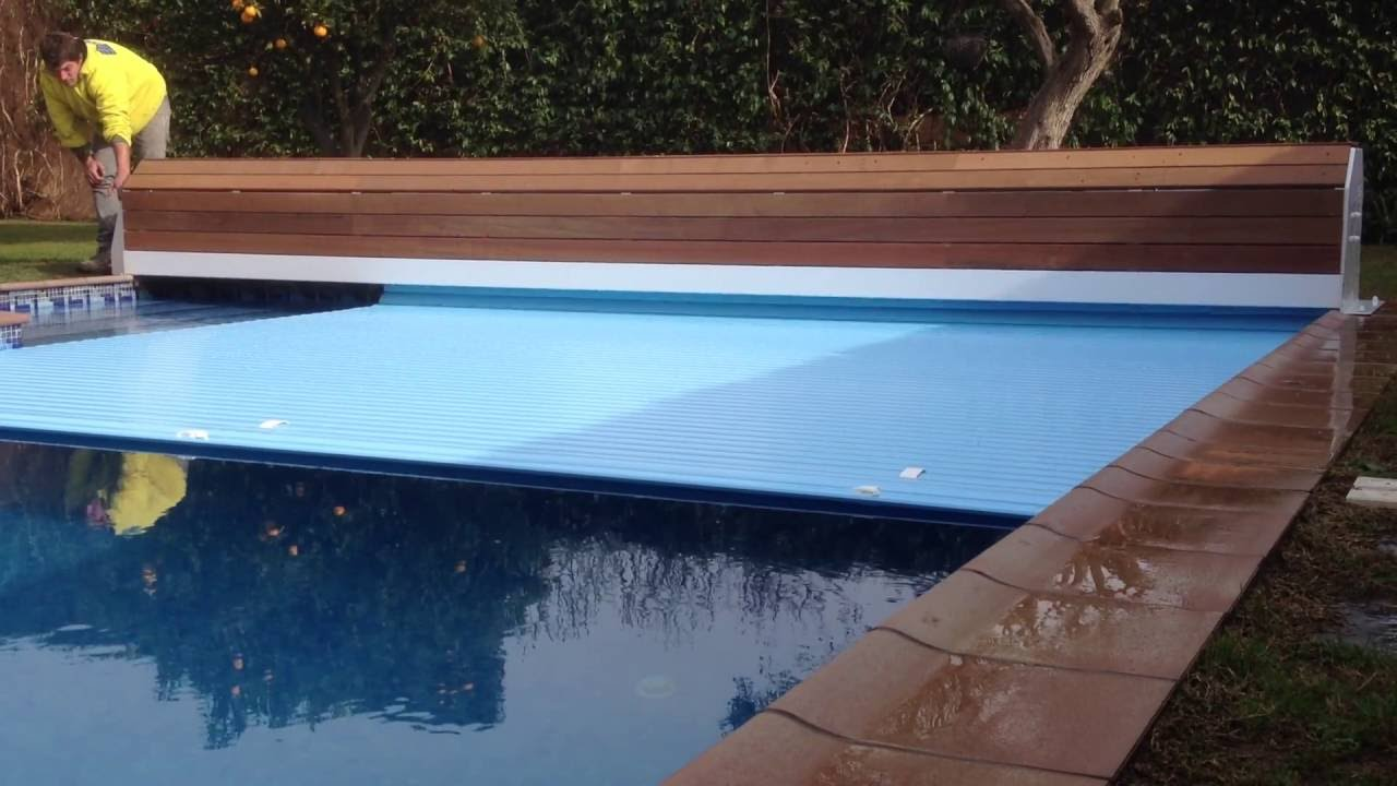 Cubierta autom tica elevada narbone astrapool para piscina for Decorar piscina elevada